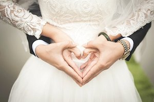 5 Golden Tips to Convey Yourself Better at First Dances